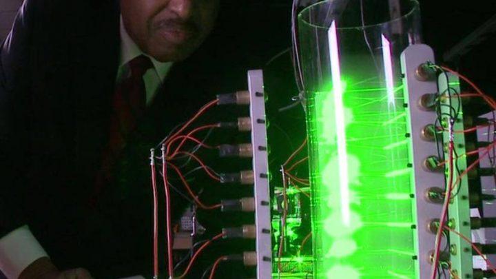 Καλή τύχη στον Καθηγητή Ronald Mallett για την επιτυχία της πρώτης Χρονομηχανής!